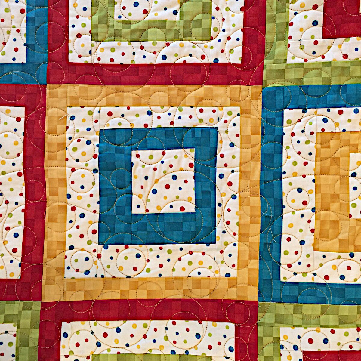 Squares in Squares-Circles Meander Pattern